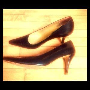 Black leather high heel pumps 6.5 Charles Jourdan